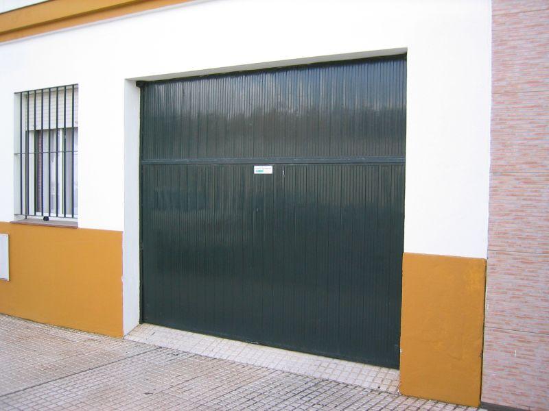 10 puerta basculante verde lusan automatismos - Automatismo puerta basculante ...