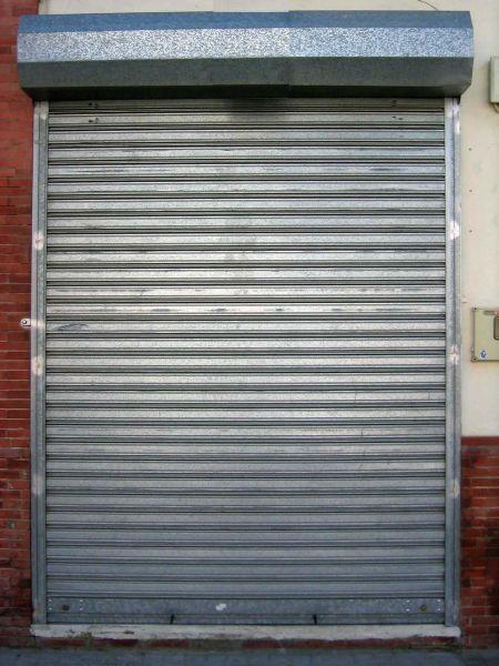 Persiana puerta materiales de construcci n para la - Puertas de persiana ...