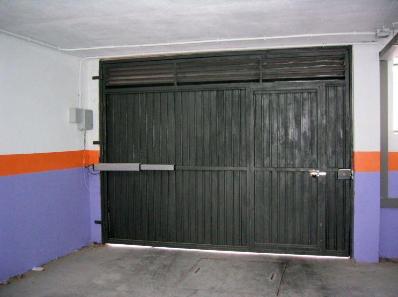 Puertas abatibles lusan automatismos - Puertas correderas o abatibles ...