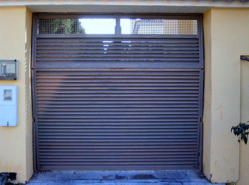 6 puerta basculante de lamas mallorquinas lusan - Puerta de lamas ...